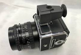 Hasselblad 905SWC + 38mm f/4.5 Biogon + A12 3200 €