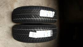 N° 2 gomme 4 stagioni good jear vector 215/60r17 jeep renegade