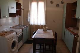 Appartamento indipendente in villa 110mq 2 Box auto e cantina