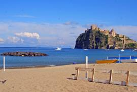 Ischia Appartamento per vacanze con bel terrazzo in villa