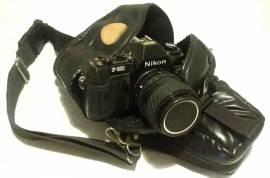 Custodia protettiva a tracolla in pelle x macchine Nikon(tutte) e obiettivo da 14 a 200 mm.