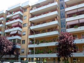 pomezia centro appartamento