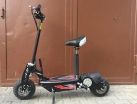 Monopattino E-Scooter 2000w 45km/H più Veloce Elettrico con Tachimetro 20km Nuovo