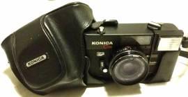 Macchina fotografica Konica C35 EF con custodia a tracolla come nuovo