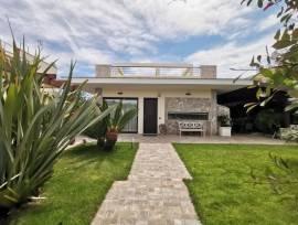 In vendita a Lecce  Prestigiosa Villa con Piscina