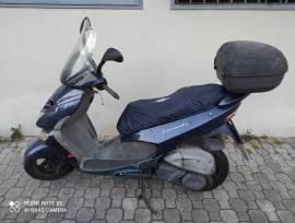 Scooter Aprilia Leonardo 250