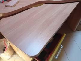 Cameretta completa in legno massello intatta