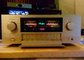 Accuphase E-560 integrated