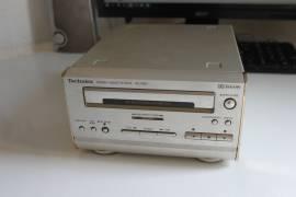 Technics RS-HD81 Stereo Cassette Deck guasto per ricambi non funzionante