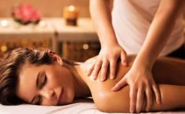 Massaggiatore professionista per massaggi a domicilio