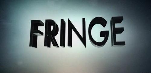 VENDO serie tv FRINGE 1-2-3-4-5! Tutte le stagioni!