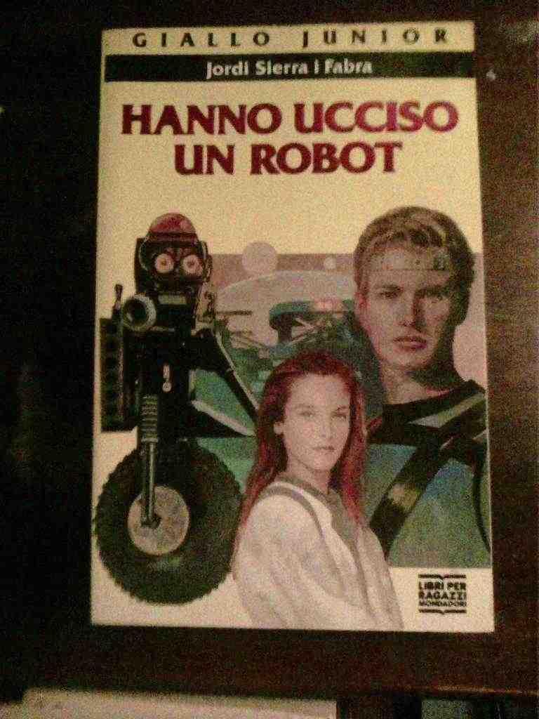 Jordi Sierra I Fibra - Hanno ucciso un robot