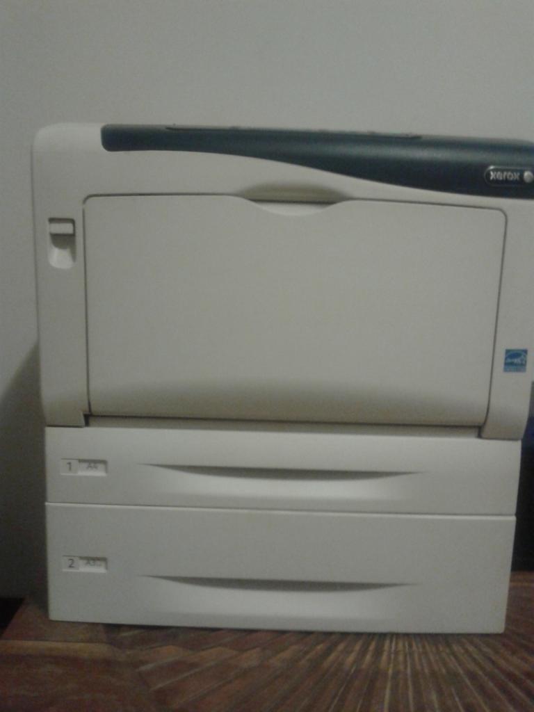 Stampante laser a colori Xerox 7100N