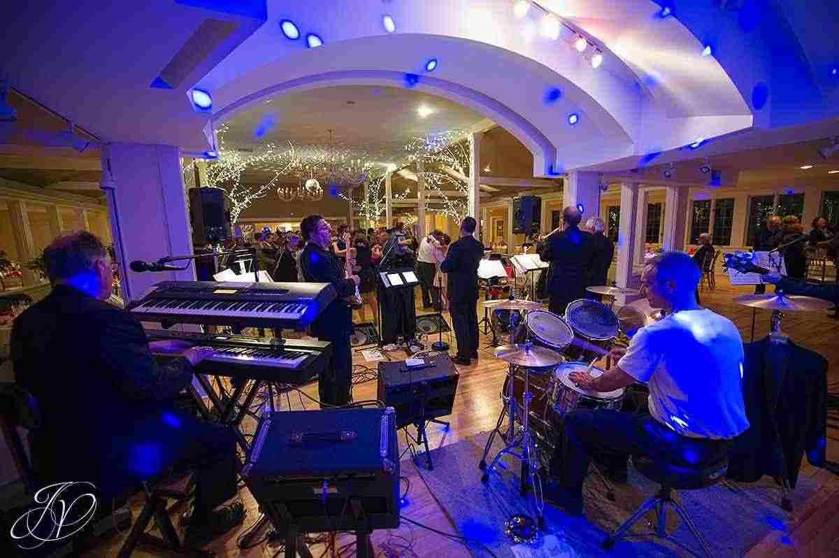 Musica cenone capodanno ultimo anno verona milano roma firenze padova