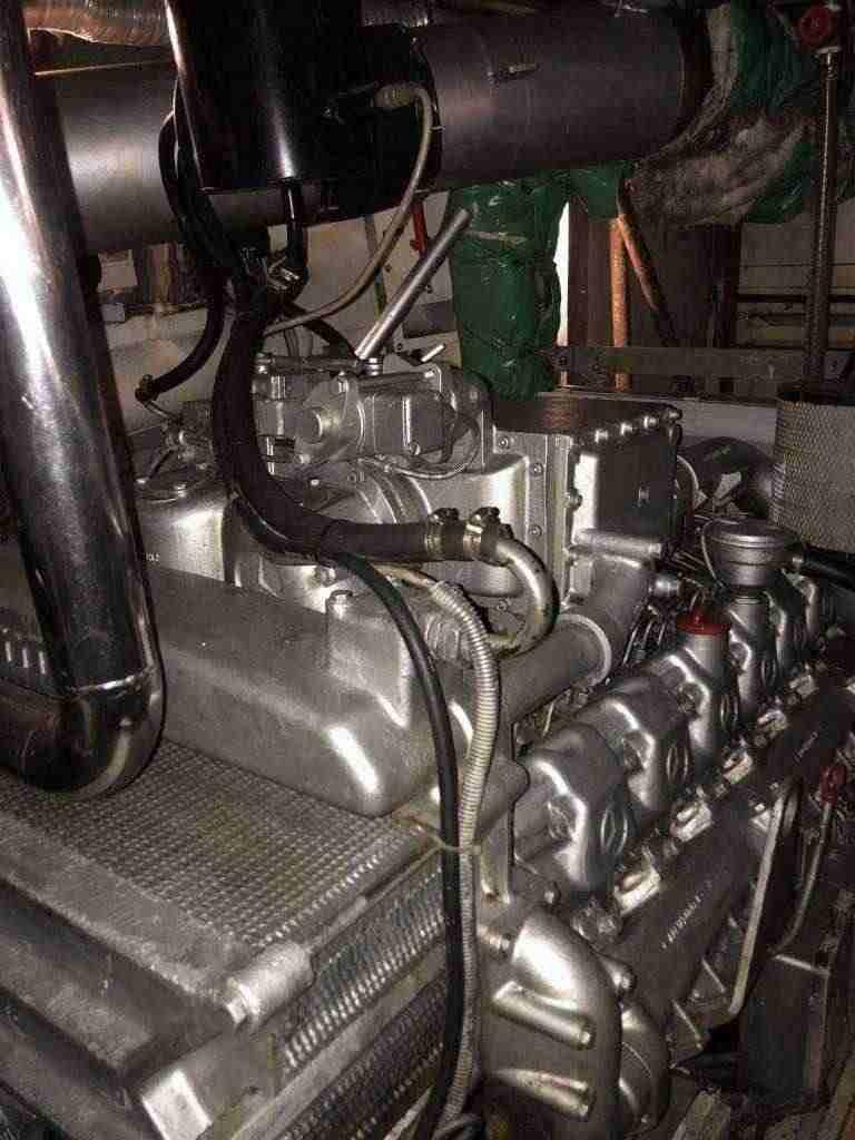 2 motori MTU da 1000 cv