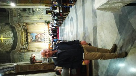 Offresi badante italiano pensionato reserenziato  automunito