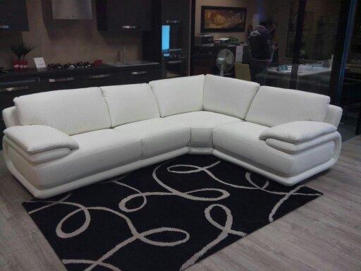 Nuovo divano Atlantic angolare in pelle