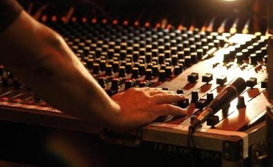 Noleggio amplificazioni audio video luci roma