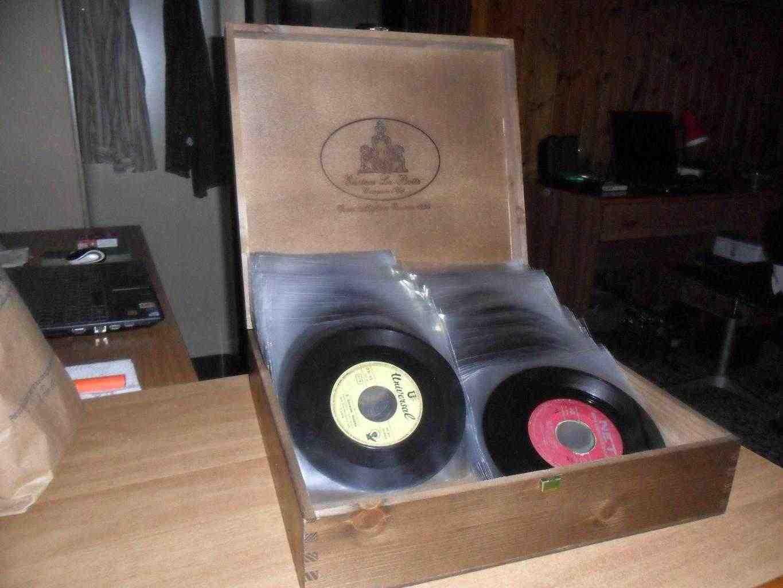 110 dischi vinile 45 giri