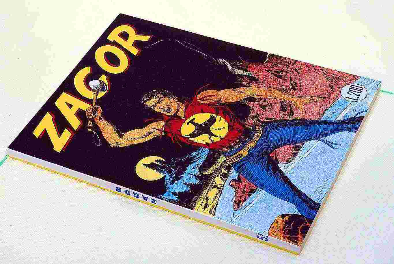 Collezionista acquista fumetti anni 50/60/70/80