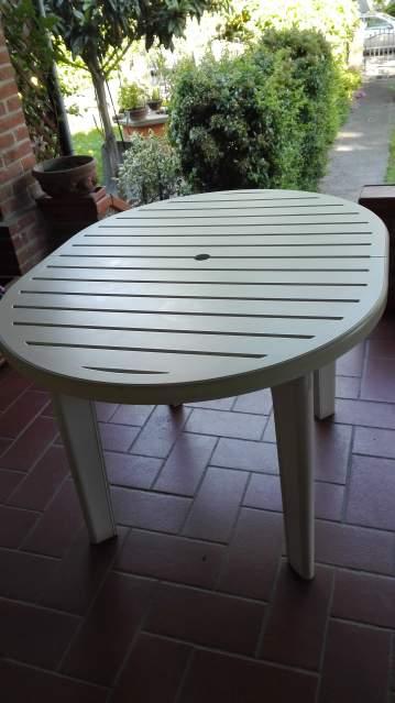 tavolo e poltroncine da giardino Rovergarden