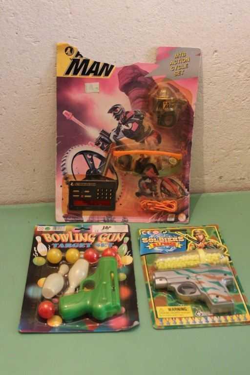 Blister giocattoli, soldatini, animali, carabinieri, militari, entra e scegli