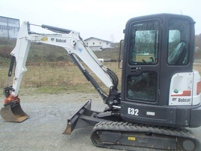 Mini escavatore Bobcat - E 32, in vendita a 1800 €
