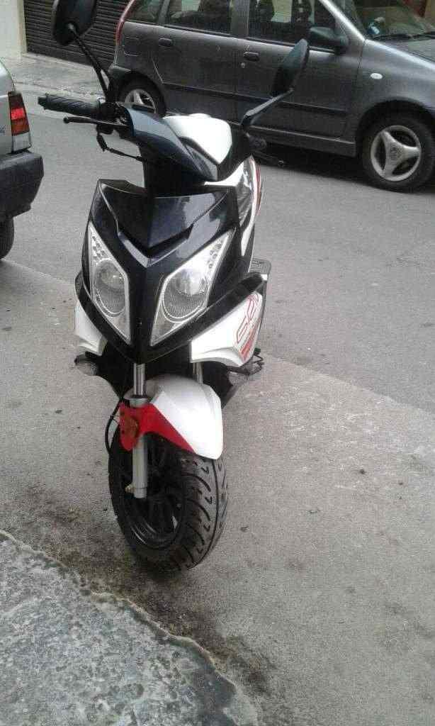 Scooter TNT modello GRIDO