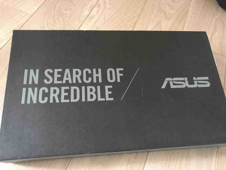 Vendesi notebook Asus FSS6U come nuovo con garanzia