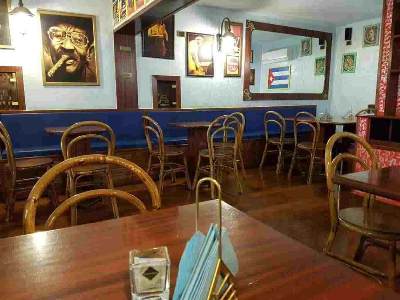 Bar caffetteria e pub con 40 posti a sedere in pieno centro adiacente teatro Petruzzelli Bari