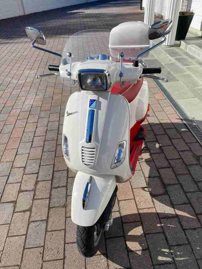 Vendo mio moto Vespa  2011