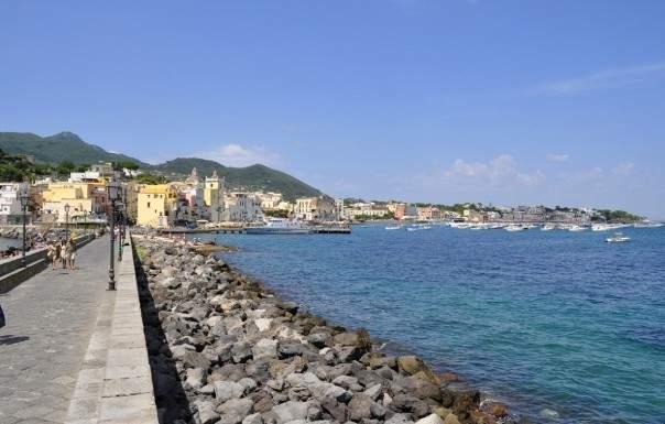 Monolocale vacanze - guest room a Ischia