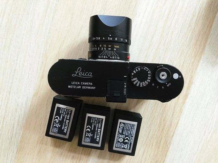 Leica MP240 con 3 batterie e 50mm Summait