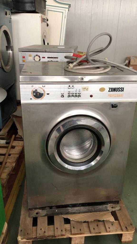 lavatrice 500 rpm min.  ZANUSSI 10kg perfettamente funzionante prezzo occasione