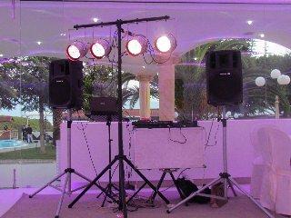 Noleggio strumenti musicali,service audio luci,impianti audio
