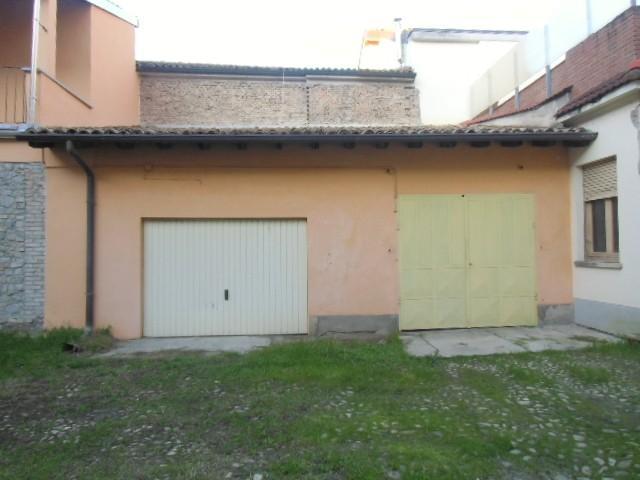 2 GARAGE - VOGHERA CENTRO