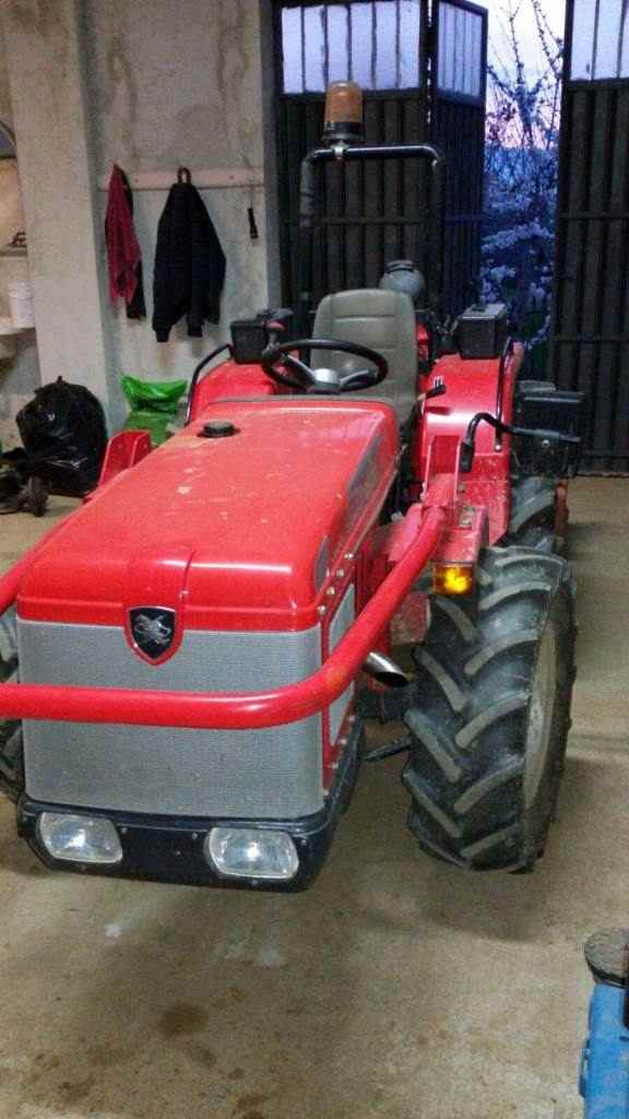 Trattore Antonio Carraro country 4400