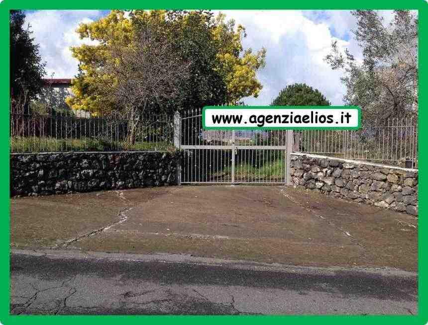 BAITA   mq. 65   (Soggiorno-Cucina, Camera da letto, cameretta,  bagno, lavori interni  da completar