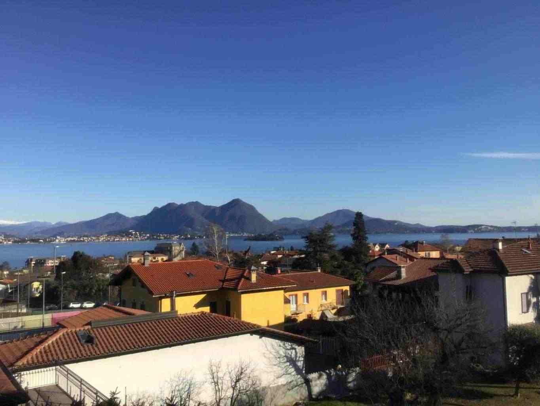 Appartamento ultimo piano vista Lago Maggiore
