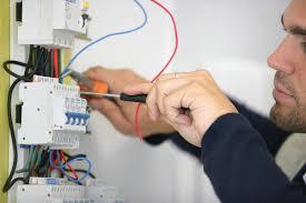 n. 1 elettricista e n. 1 idraulico
