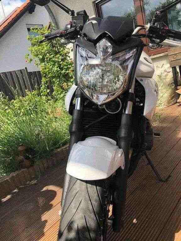 2012 Yamaha XJ6  motocicletta