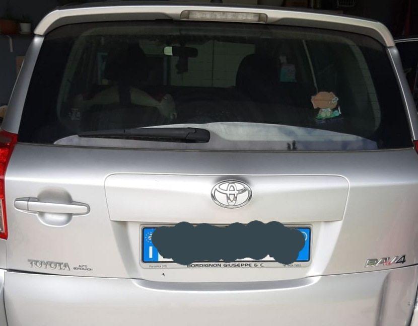 portellone posteriore toyota raw4 - 2008