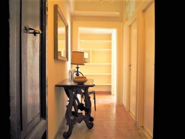 Appartamento arredato in Via di Sant'Andrea delle Fratte 39