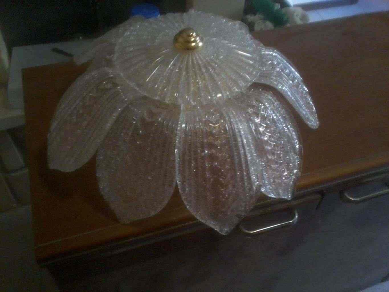 vendo lampadario in vetro molto bello