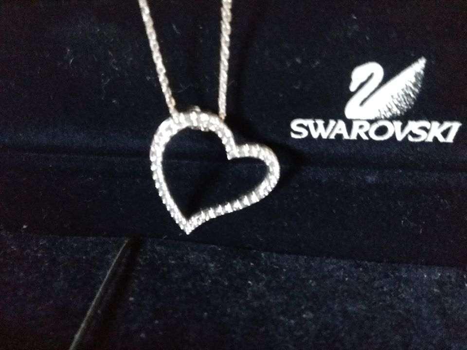Ciondolo Swarovski Crystal *Cuore* con collana