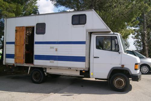 Camion mercedes 609 (modello da37) con licenza 1990 vl con 388000 km.