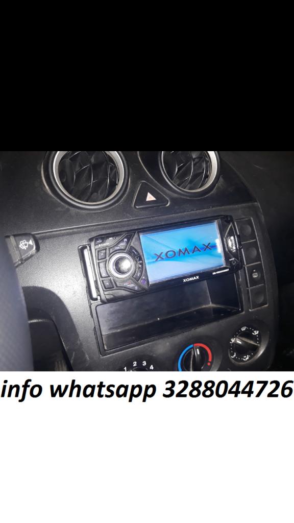 """Autoradio stereo auto Xomax 4.3"""" funzionante usato con scatolo"""