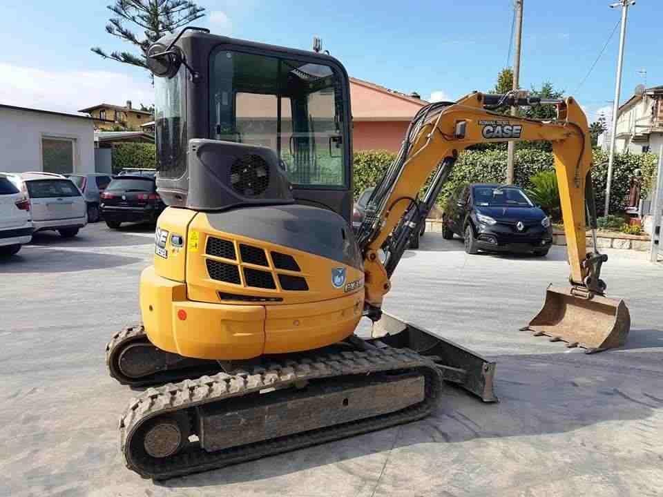 Mini escavatore CASE CX39B