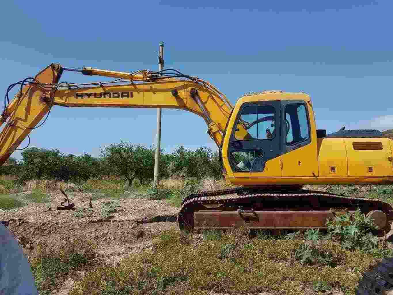 Escavatore cingolato - Marca Hyundai