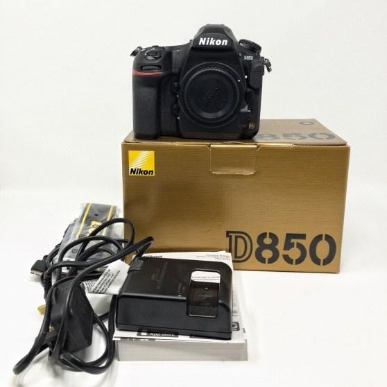 Nuova reflex digitale Nikon D850 in formato FX originale